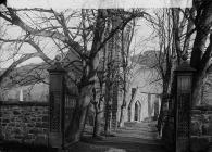 avenue leading to the church, Carno