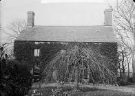 Plas Du, Llanarmon (Caern) home of John Owen ...