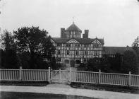 Lymore Hall, Montgomery