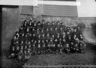 Pupils, Llangwnnadl school (1886)