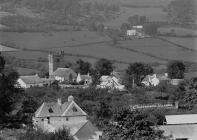 Crickadarn village
