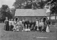 Bleddfa school group July 1911