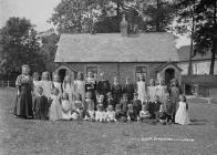 Bleddfa school children July 1911
