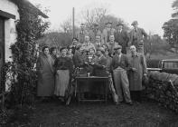 Group of golfers with trophy