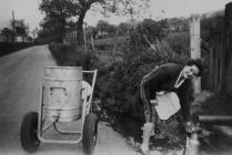 Cario dŵr yn Llanddewi Brefi