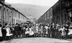 A Troed-y-rhiw, Merthyr, scene about 1910