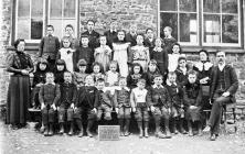 Llanfihangel y Creuddyn School 1904