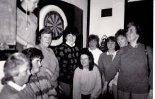 Tim Dartiau Merched y Llew Gwyn, Papur Pawb 1988