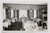 Yr ystafell fwyta, Central Hotel, Aberystwyth,...