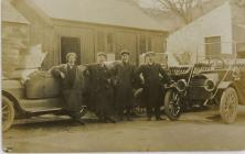 Thomas G Morgan 1894-1960, my uncle on the left...