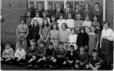 Class photo at New Inn School Pontypool c1920.