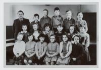 Disgyblion Ysgol Penboyr tua 1960
