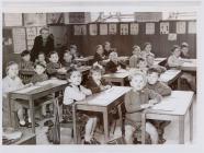 Disgyblion Ysgol Penboyr c.1960