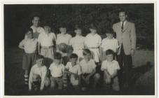 Ysgol Penboyr: tîm pêl droed, c.1956
