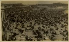 Record Crowd on Barry Island.