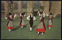 Welsh Costume: Welsh Folk Dancers