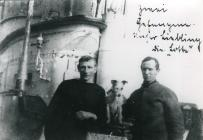 Prisoners of war and a dog on board U 91