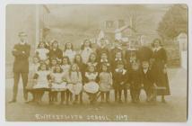 Dosbarth yn Ysgol y Cyngor, Cwmystwyth ym 1920