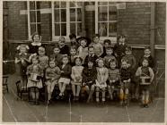 Jenner Park School Class Photograph.