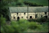 Court farm cottages, Llanquian Road, Aberthin 1981