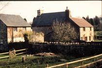 Llanquian Isaf Aberthin 2000