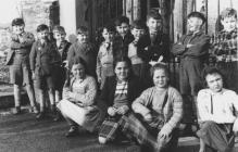 Newcastle Emlyn Primary School group 1953.