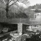 Pont droed yng Ngheinws / Esgairgeiliog yn...