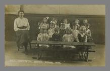 Cwmystwyth Council School class 1919