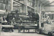 Tri gweithiwr, Rheola Works, Glyn-nedd, 1981