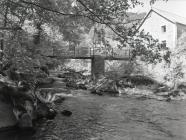 Footbridge over Afon Dulas, Ceinws /...