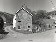 Dulas Cottages, Ceinws/Esgairgeiliog, May 2004