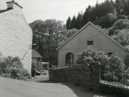 Independent Chapel, Ceinws/Esgairgeiliog, May 2004