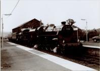 Locomotif stêm 7569 yng Ngorsaf Rheilffordd y...