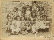 Class 3 of Cogan School in 1916.