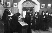 Antonia Andrade(?) and Nuns at a Service