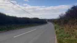 Ffordd dawel rhwng Botwnnog ac Aberdaron,...