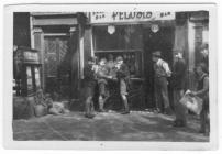 'Snack Bar' teulu Pelosi, Dynevor Place,...