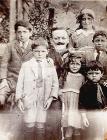 Giuseppe Pelosi with his children, c.1922