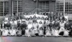 Pantomime cast, Cwmfelinfach, 1942/43