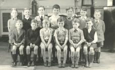 Cwmfelinfach School class photographs