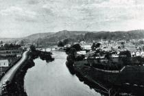 Usk showing river and bridge, date unknown