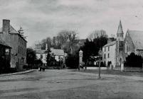 Sgwâr Brynbuga, tua 1900