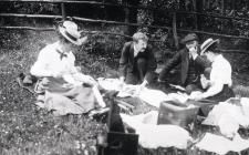 Llangibby House party picnic, 1902