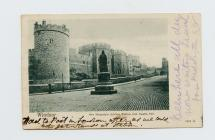 Postcard of Windsor Castle, Jubilee Statue,...