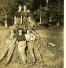 5 Land Army Women on haystack, Nanteos Mansion,...