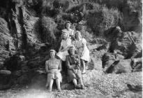 5 Land Army Women relaxing