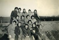 Land Army women in cold weather, Tynclawdd, 1944