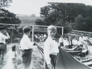Gweision bychain yng Ngharnifal Rhaeadr, 1959