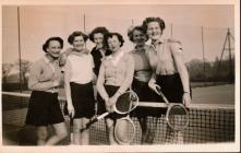 Image of WRNS / Wrens playing tennis Dale...