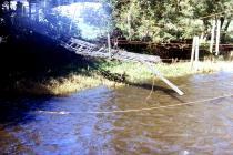 Pont sigl Llandysul wedi'r llifogydd, tua 1985